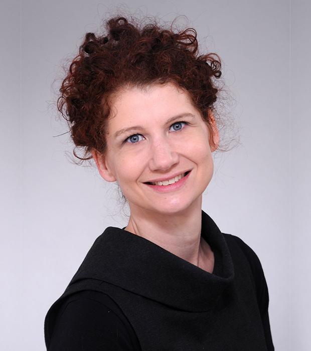 Dr. Anna Heschl